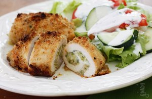 Baked-chicken-stuffed-with-cheese-and-zucchini